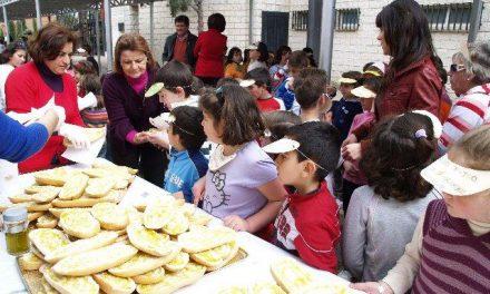 Unos 7.000 alumnos han participado en los desayunos con aceite de la cooperativa La Milagrosa de Monterrubio