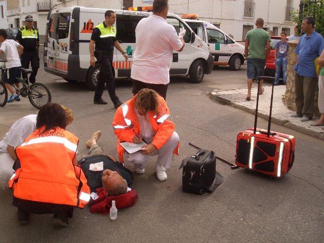 Un anciano de 80 años resulta herido leve después de sufrir un atropello en el casco urbano de Moraleja