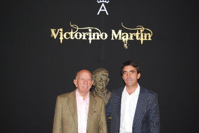 El veterano de los Victorino Martín visita la Feria del Caballo y el Toro en la jornada de inauguración