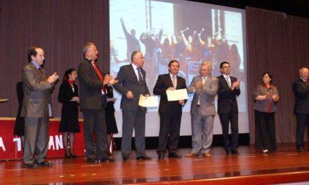 El presidente de la Diputación recibe en Barcelona un reconocimiento como donante de sangre
