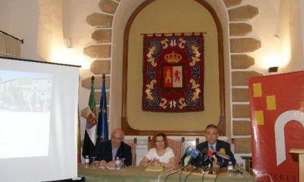 Cáceres presenta los proyectos de reforma de las plazas de San Juan y de la Concepción