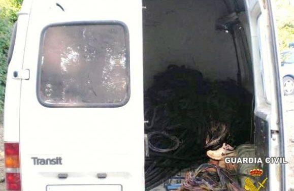 Detenidos por la Guardia Civil cuando quemaban el cable  de cobre sustraído en Villagonzalo y Nogales