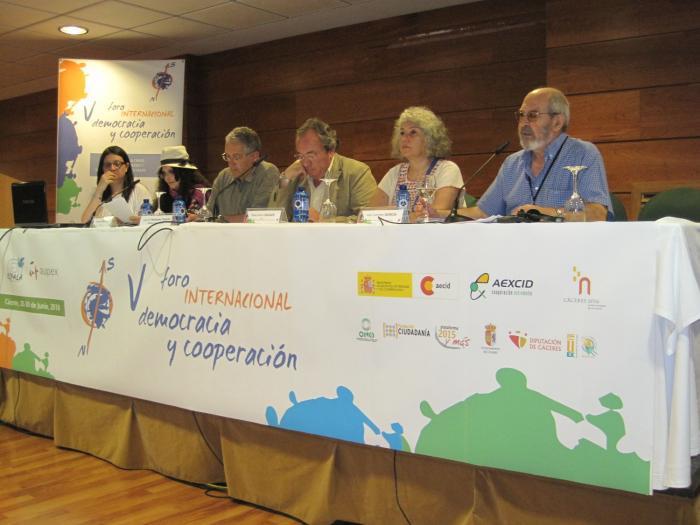 El V Foro Internacional Democracia y Cooperación reafirma su voluntad de incidencia política