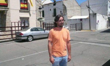 David Pérez recibe de la Junta Electoral Central su credencial como concejal del Ayuntamiento de Moraleja