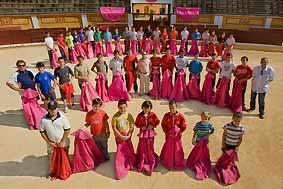 Tres chicas completan el elenco de jóvenes promesas en la Escuela de Tauromaquia de Badajoz