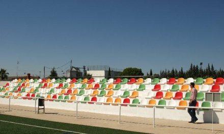 El campo de fútbol de La Vega en Moraleja aumenta su capacidad en un 200% con la ampliación del graderío