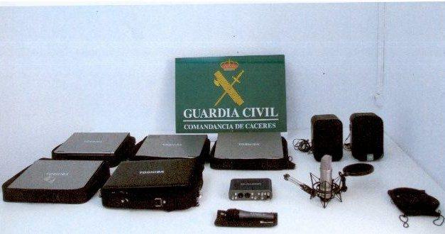 La Guardia Civil detiene a un joven de Montehermoso acusado de robar material informático del Auditorio