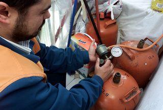 La OMIC alerta de «chantajes» en Rincón del Obispo y Puebla de Argeme por la revisión del gas butano