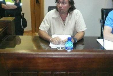 Pérez se querella contra responsables populares e inicia otro proceso para depurar responsabilidades