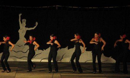 Cerca de 200 personas disfrutaron del grupo flamenco Zapatío Anadaluz en Moraleja
