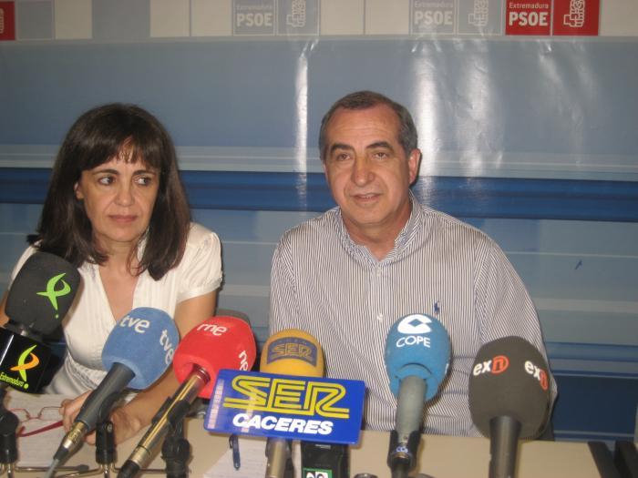 El PSOE rechaza la oferta del PP y sigue con la moción de censura mientras el PP mantiene su oferta