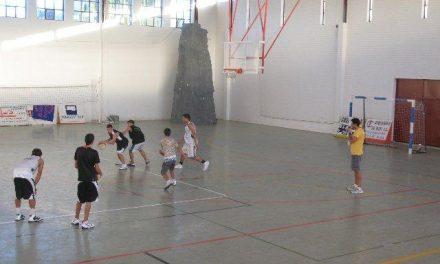 El Campus de Baloncesto 2010 de Moraleja congrega a 30 participantes de entre 5 y 17 años de edad