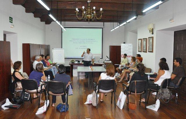 Profesores de FP y ESO desarrollan en la Cámara de Comercio de Cáceres sus habilidades educativas