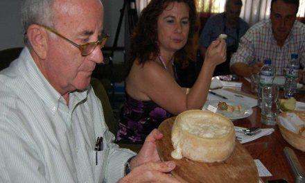 """Un queso """"Parada Real"""", de Diego Morillo, gana la cata concurso de la mejor torta de la Serena de 2010"""