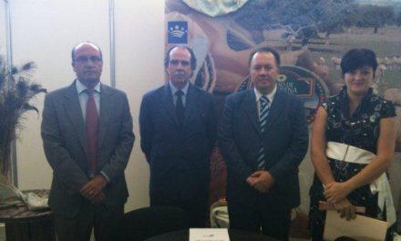 Los ganaderos e industriales del Queso de la Serena tendrán tarifas especiales en Caja Extremadura