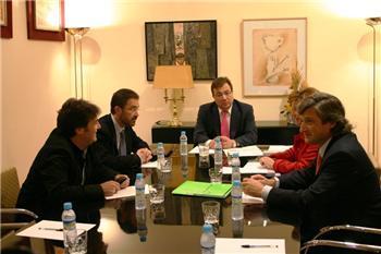 Junta, sindicatos y patronal se reúnen en la comisión de seguimiento del diálogo social en Extremadura