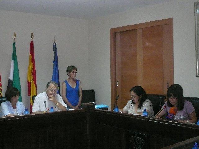 La comisión del Agua de Moraleja estudiará de manera urgente el problema de la falta de presión