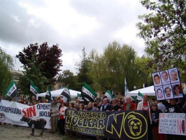 La plataforma anti cementerio nuclear de Extremadura rechaza el ATC en Zarra (Valencia)