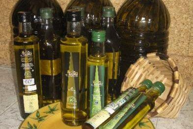 La DOP Gata-Hurdes lanza nuevos formatos para sus aceites para abaratar el producto y abrir mercados