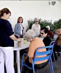 Sanidad edita una guía para familiares de enfermos afectados por alzheimer y otras demencias