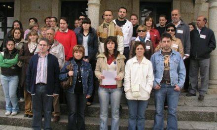 Los 16 trabajadores despedidos del Hotel Palacio de Coria exigen una solución a las autoridades