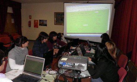 """Trasierra imparte talleres sobre informática y redes sociales a través del programa """"Pueblos"""""""