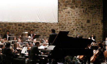 """La Orquesta de Extremadura estrena la obra del conocido compositor Roque Baños denominada """"Cáceres"""""""
