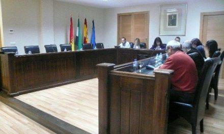 El PP de Moraleja denuncia la permisividad del Gobierno local para que la empresa de la piscina «se vaya de rositas»