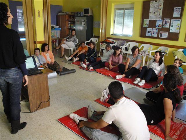 La residencia San Martín de Porres de Miajadas imparte un curso de prevención de lesiones en la espalda