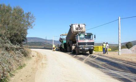 Fomento invierte 2,2 millones de euros en el refuerzo del firme de varias carreteras autonómicas