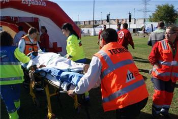 Más de 1.000 personas participan en el simulacro internacional de Protección Civil en Valdecañas