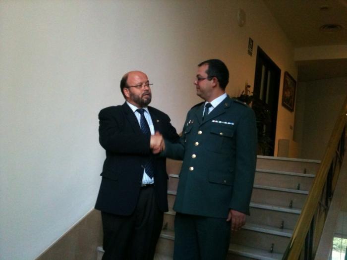 El Subdelegado del Gobierno despide al Comandante Arteaga de la Guardia Civil de la Comandancia de Cáceres