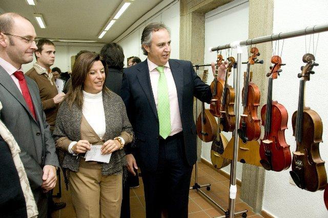 """La exposición interactiva """"Mira y Toca"""" llega a Plasencia con más de un centenar de instrumentos"""