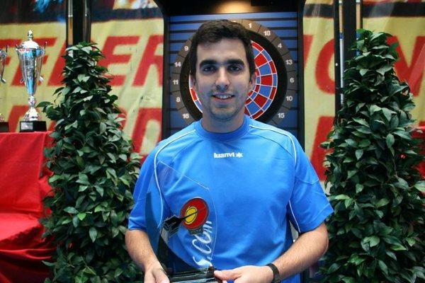 El cauriense campeón de España de dardos destaca el buen papel jugado por los equipos de Coria
