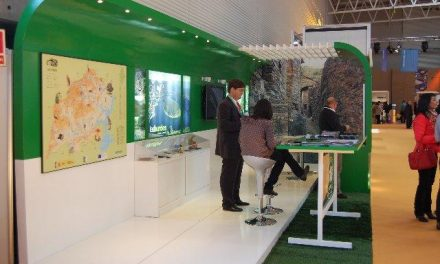 Adic-Hurdes expone en Intur sus líneas de trabajo e informa de sus ayudas al Turismo por 600.000 euros