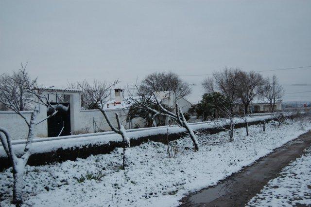 Cinco carreteras se encuentran cortadas al tráfico por nieve en Sierra de Gata y el Valle del Jerte