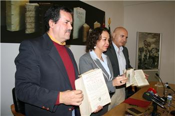 """La Biblioteca de Extremadura recibe la primera edición americana de """"El Quijote"""" donada por Roberto Junco"""