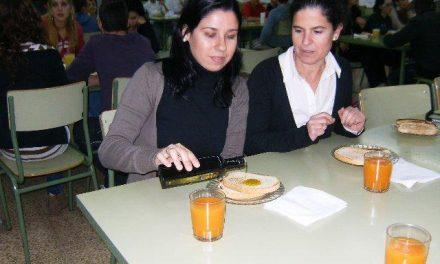 La DOP Gata-Hurdes enseña a las familias a merendar de forma saludable con aceite de oliva virgen extra