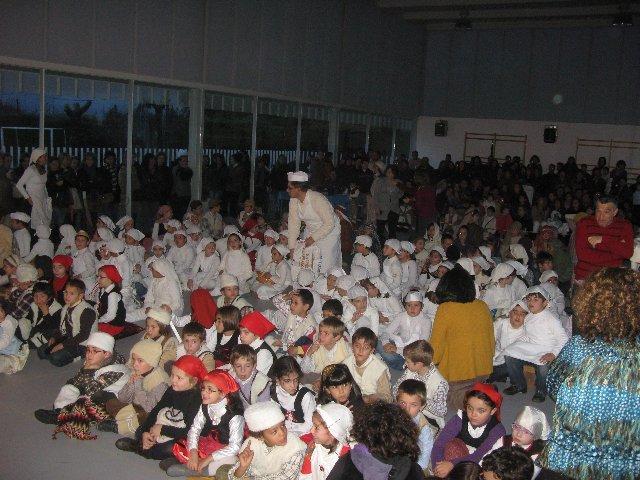 Los alumnos del colegio Cervantes de Moraleja concluyen el trimestre con un Belén Viviente