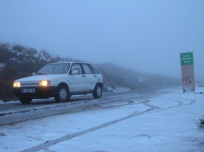 Las nevadas de las últimas horas obligan a cortar al tráfico rodado el Puerto de Honduras en Hervás