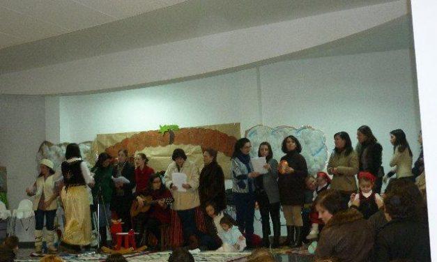El Centro de Educación Infantil 'Garabatos' de Ribera del Fresno celebró su anual festival navideño