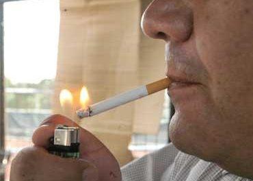 Los fumadores de Coria y Moraleja cumplen y respetan la nueva normativa de la Ley Antitabaco