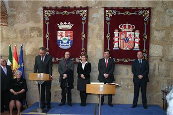 El nuevo rector de la Universidad de Extremadura, Segundo Píriz, toma posesión de su cargo en la Junta