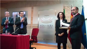 Mercedes Moreno y Scouts Extremadura reciben el premio extremeño al voluntariado social