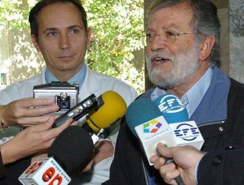 Un juzgado de Mérida desestima otra demanda de Rodríguez Ibarra contra el director de El Mundo