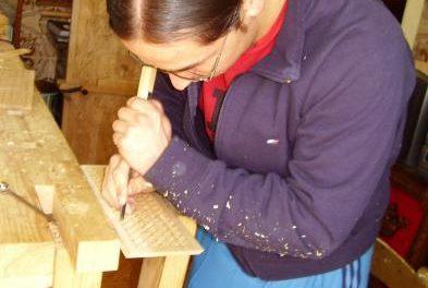 El plan Formarte imparte un curso de talla de madera para formar a futuros artesanos en Tierras de Granadilla