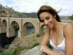 La gimnasta Almudena Cid presentará esta semana en Fitur un vídeo de promoción turística de Alcántara