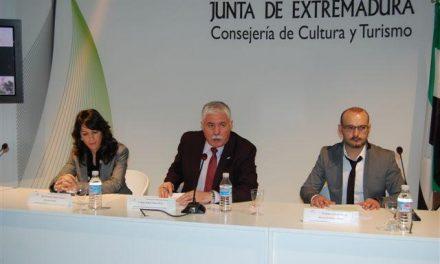 La Diputación de Cáceres se presenta en un Fitur con una nueva imagen en internet y un atlas juvenil