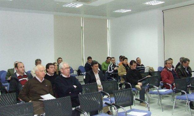 La asociación de fruticultores de Extremadura celebra una asamblea extraordinaria para ver actuaciones futuras