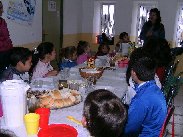 Villuercas, Ibores y la Jara continua celebrando desayunos saludables desde la igualdad en los colegios